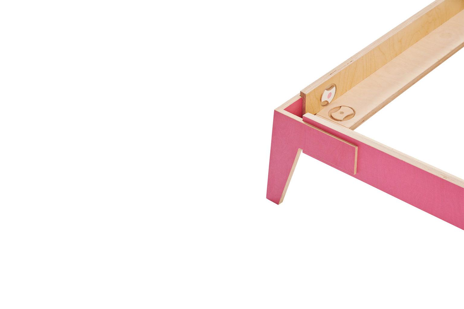 _0004_4.14 pink Shift Bed_c