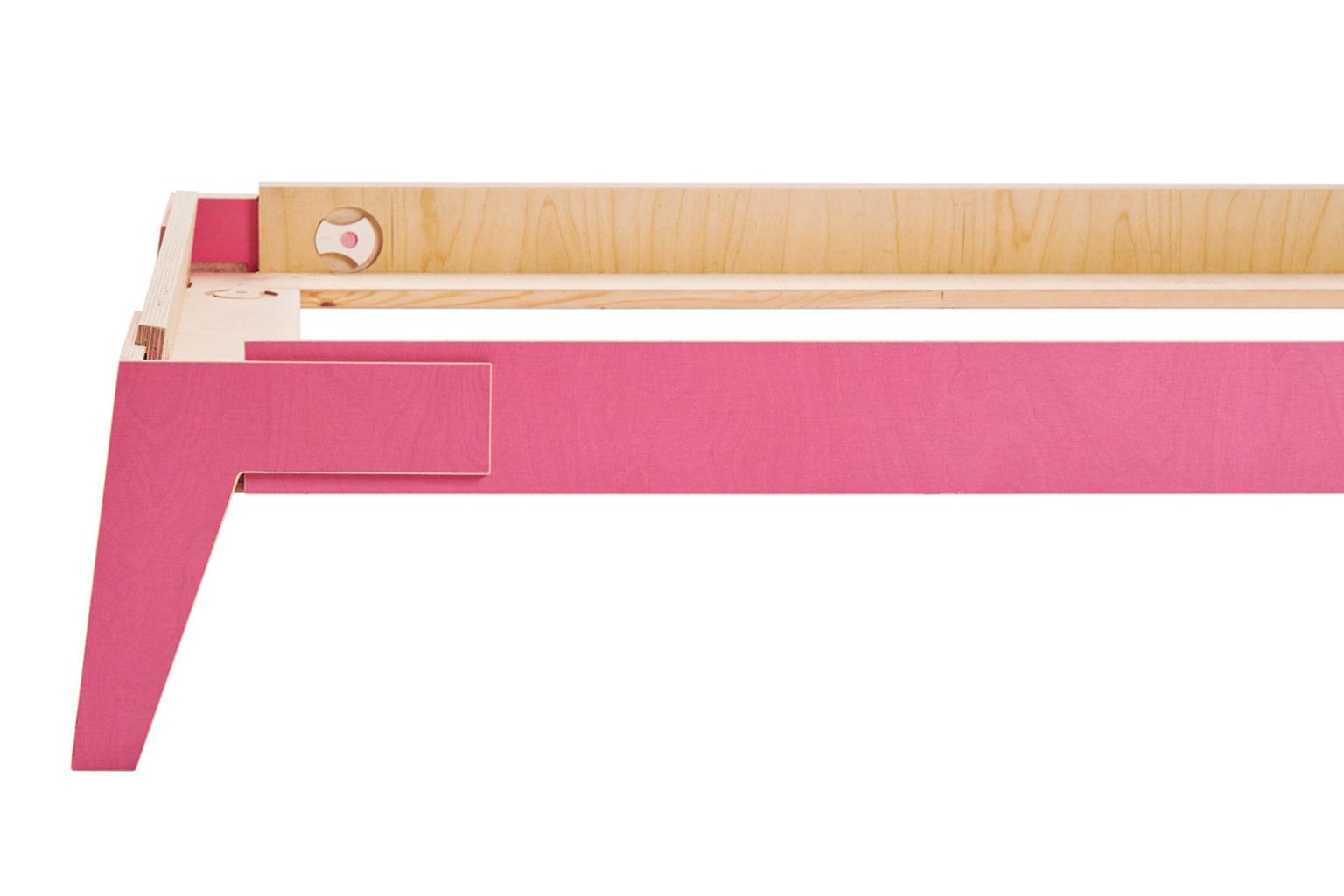 _0024_2.4 pink Shift Bed_d
